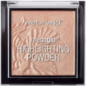 Wet n wild precious petals face highlighter