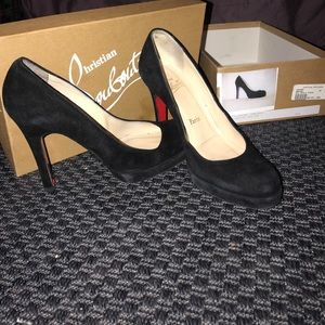 Christian Louboutin Red Bottom Heels size 38 (8us)