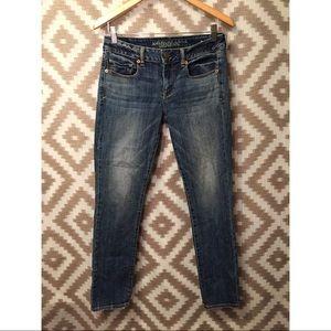 American Eagle Medium Wash Skinny Jeans!