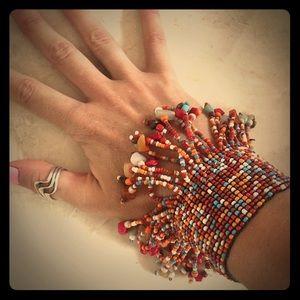 Shake it baby! Boho fringe flow bead bracelet