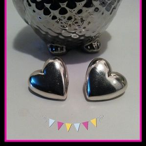 💕 Silver Hearts Earrings 💕