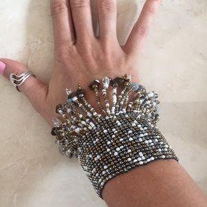 Shake it baby! Boho elastic fringe bead cuff