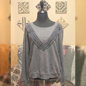 Lightweight Sweatshirt w/knitted design