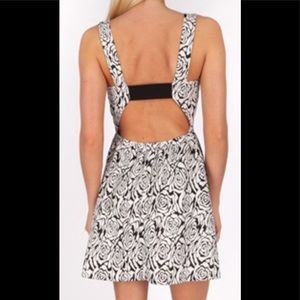 Chance Or Fate Black/White Rose Print Dress