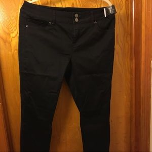 NY&C brand new black jeans with tag on