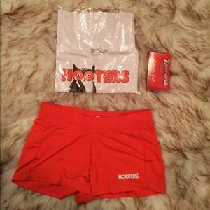 AUTH Small Hooters Uniform