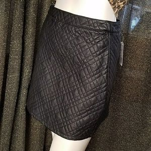Forever 21 Quilted Pleather Skirt Size Medium