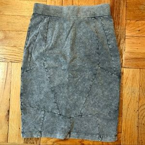 H&M stretchy pencil skirt | size 2