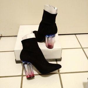 NIB Qupid Ranker-08 lucite ombre heel booties