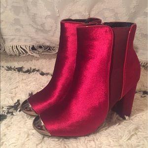RED VELVET STEEL TOE BOOTIES