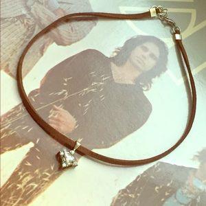 Faux brown sterling silver pendant choker