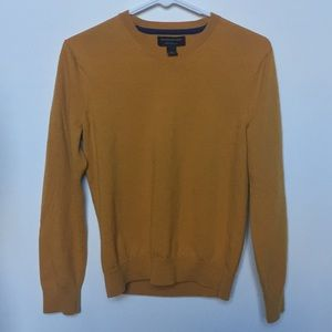 Women's mustard Banana Republic sweater