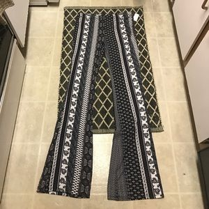 Pants - Printed Flare Pants Size L NWT Stretchy, Long!