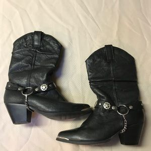 Dingo Olivia black leather pull on boot size 6