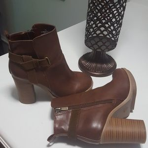 Adorable brown boots