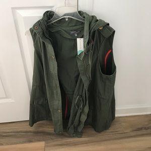 Market & Spruce Utility Vest