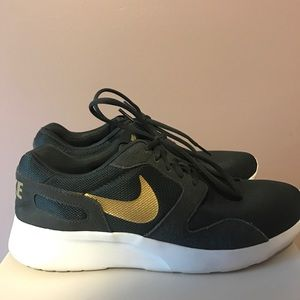 Nike women's Kaishi shoes