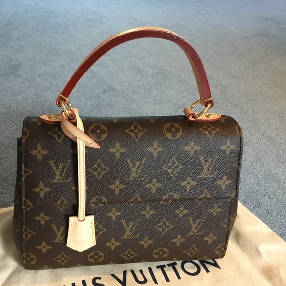 41aafea7fd2 Authentic Louis Vuitton Cluny bb handbag