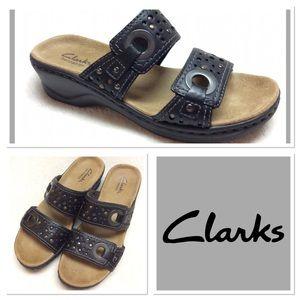 6.5M CLARKS Lexi Laurel slip on leather sandals