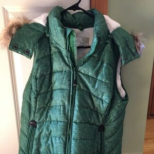 NWOT Green Tea plush lined puffer vest with hood L