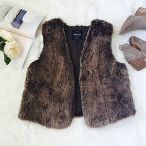 Madewell Faux Fur Vest with front pockets