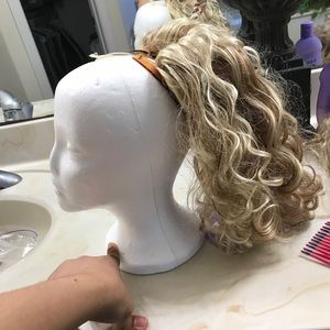 Accessories - Sizable blonde ponytail