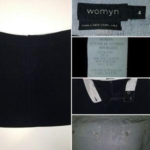 Womyn Black Mini Skirt Sz 4.