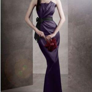 Vera Wang White Size 2 Navy Strapless Formal Dress