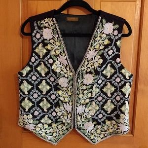 Gorgeous vintage merino wool embroidery vest