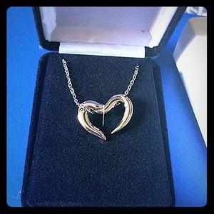 Pure romance heart necklace
