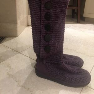 Uggs- Plum Color Sweater Uggs