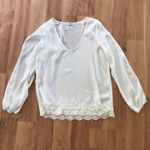 Tobi White Lace Cold Shoulder Top Size Small