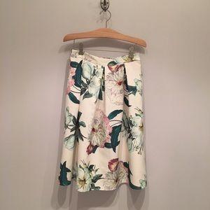 Alya x Francesca's floral pattern tea length skirt