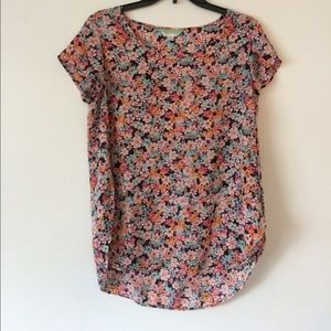 Floral Dressy Top with slots in sides! Size M