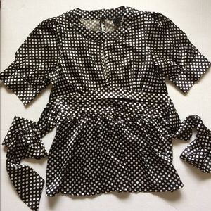 BCBGMAXAZARIA Dressy polka dot top. Size M