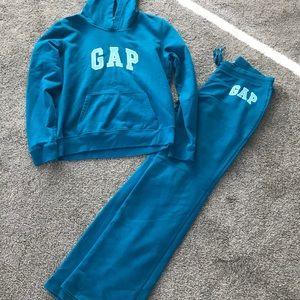 Women's Gap sweatshirt/pants set M/S