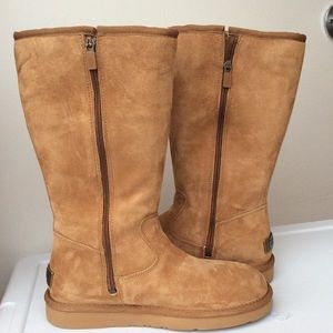 🆕UGG Australia Alber Boots
