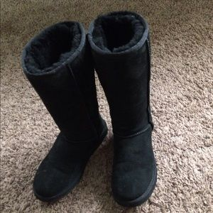 Ugg tall black boots size 8