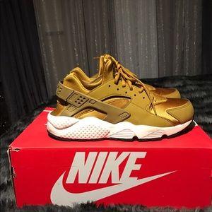 Limited Nike Women's Air Bronze Huarache Run