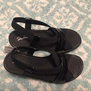Skechers sandals nwt size 9