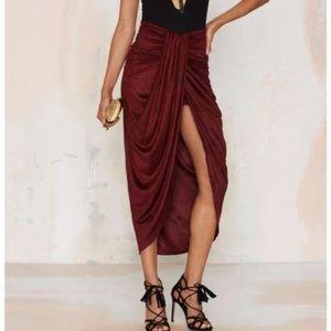 Burgundy Midi Skirt 💃