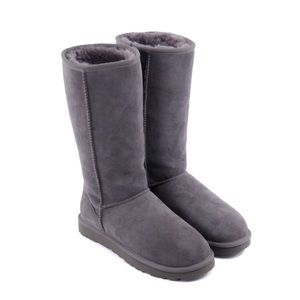 ✨Authentic Woman's Gray Uggs Size:9