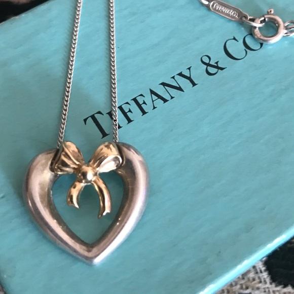 b91f8f956c83 Tiffany   Co 1991 18k bow heart pendant necklace. M 59e8cb89f0137dad640d5de8