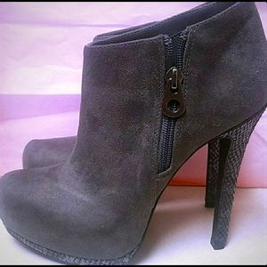 Grey ankle boot . Size 8. NWOT
