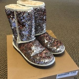 UGG #3353 Classic Sparkles Short Boot 6 Shearling