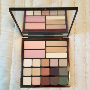 Smashbox Shadow Contour and Blush Palette