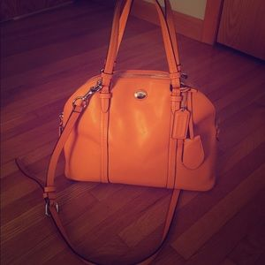 Mustard color, leather, 2-way Coach bag