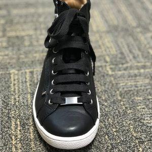 NIB Ugg Olive sneakers