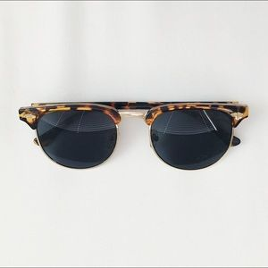 Urban Outfitters Tortoise Sunglasses