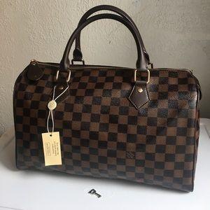 Beautiful satchel L V